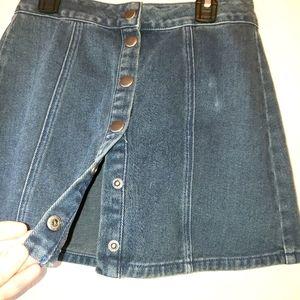 Brandy Melville dark wash button front denim skirt